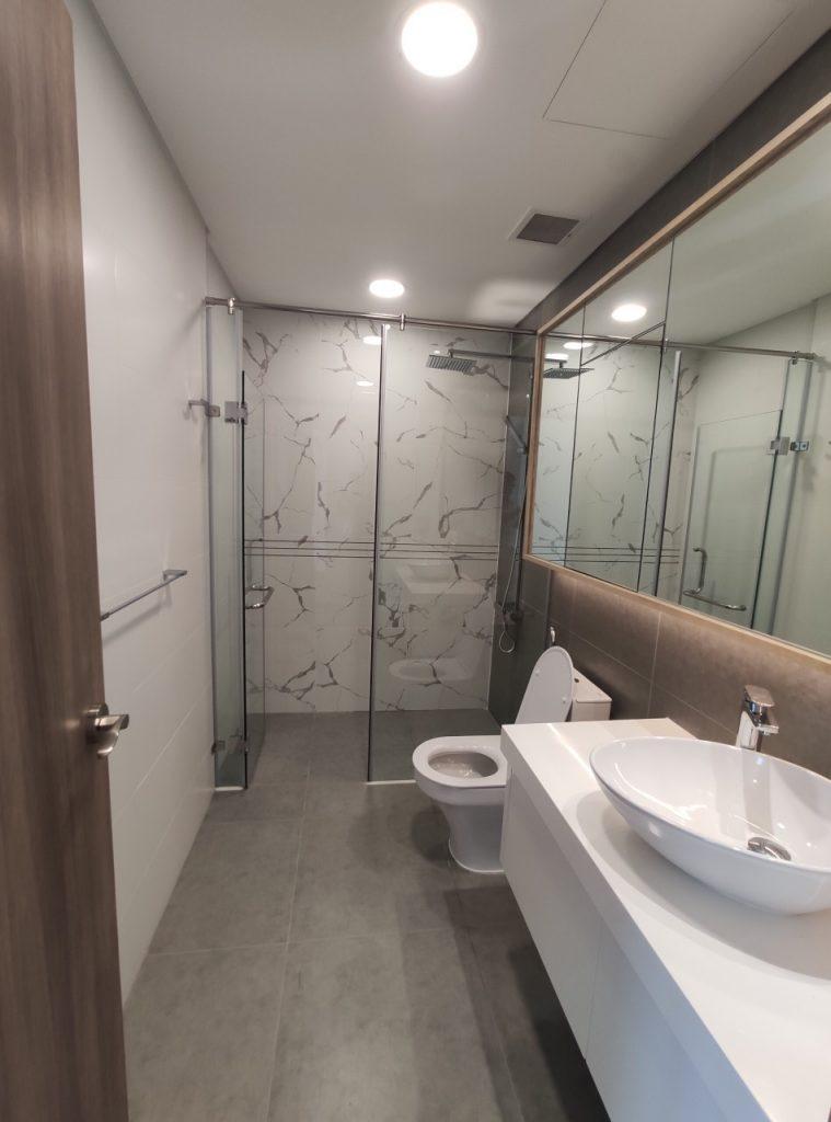 Toilet căn hộ Sunwah Pearl 2 phòng ngủ